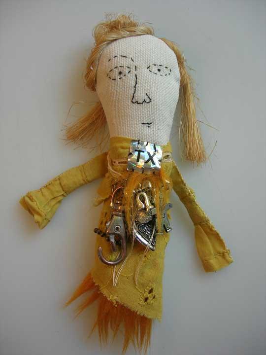amulette 333 - textiles, sisal et récups' métal